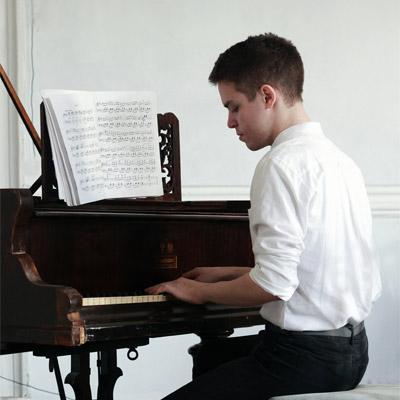 Denis Stelmakh
